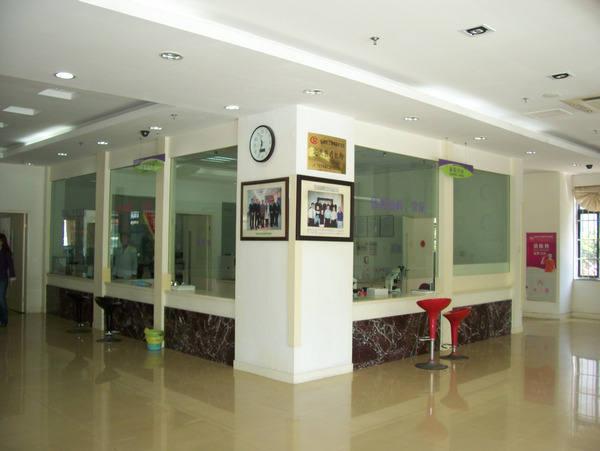 宁波新新东方医院走廊一角